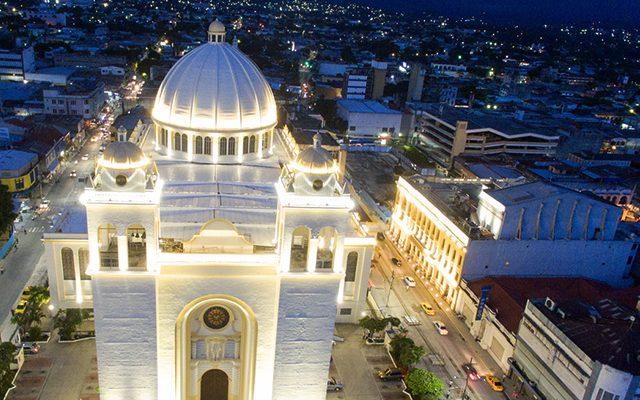 Cadena medios de comunicación católicos de El Salvador y REDCAM